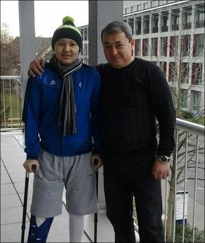 17-летнему Азамату Едиге из Казахстана нужны деньги на обследование после операции
