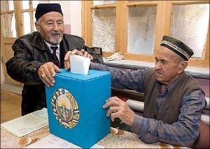 В Узбекистане готовят декорации и актеров для очередного спектакля о выборах