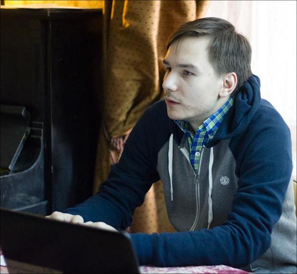 Дмитрий Опарин
