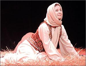«Да разве это победа?» В Ташкенте поставлена повесть Чингиза Айтматова «Материнское поле»