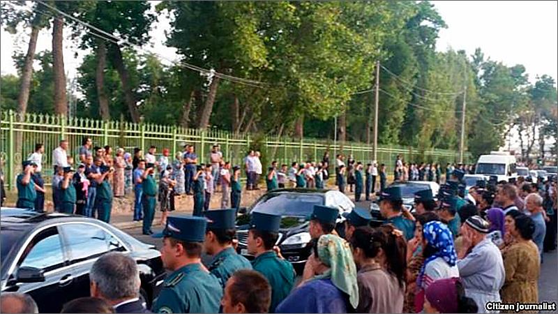 Жители Ташкента простились с президентом Каримовым