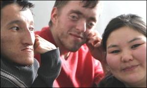 Интернат или жизнь. Как кыргызстанская семья учит «вечных детей» самостоятельности