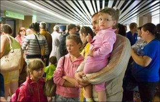 Прирасти соотечественниками. Эксперты указали, куда нужно направить миграционную политику России