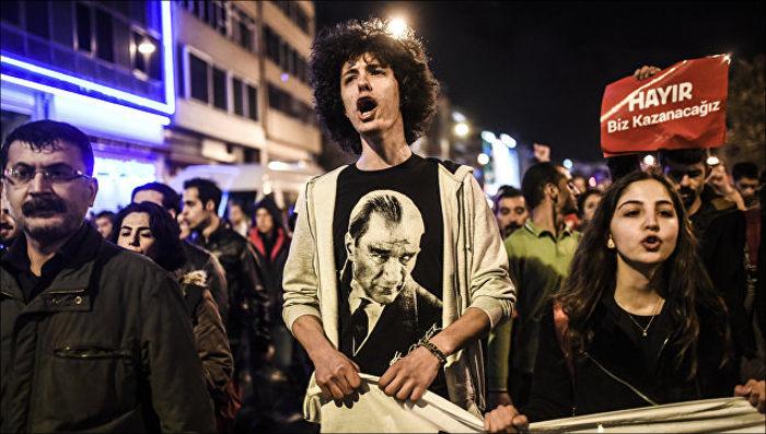 Турецкий суд отказался отменить результаты референдума поиску оппозиции