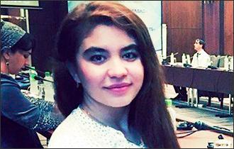 Таджикская девушка среди «Детей Петербурга»