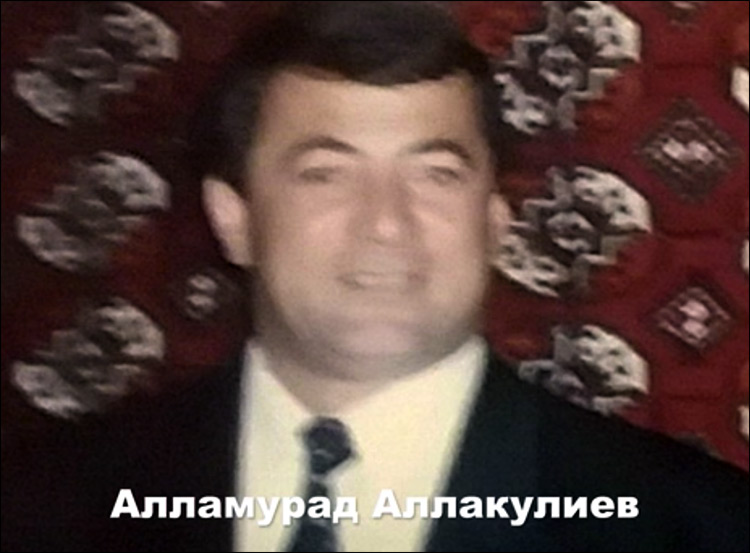 Президент Туркменистана взволновал Сеть исполнением песни «Каракум»