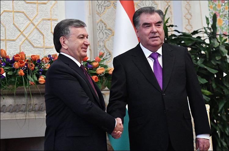 Оттепель между Таджикистаном иУзбекистаном достигла высшей точки— Рахмон встретил Мирзиёева