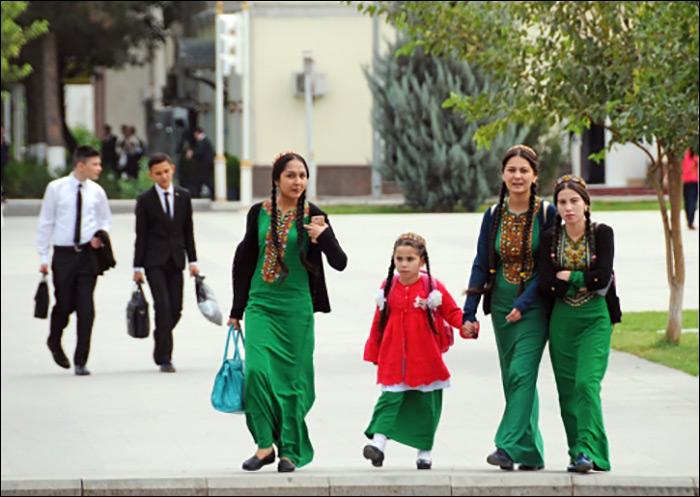 фото нудисток школьниц