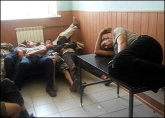 Бир соатда 42 нафар инсон тақдири ҳал этилган. Россия судялари мигрантларни  депортация қилишнинг ажойиб усулларини ўйлаб топганлар