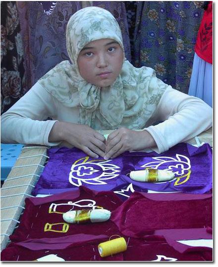 Дочь Кабула Парпиева – Гюльджахан, 17 лет. Она находится в лагере беженцев в Киргизии. Фото Фергана.Ру