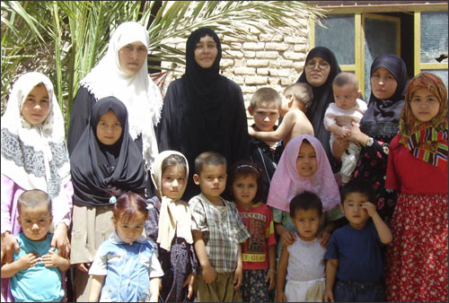 These children were born in different countries - Uzbekistan, Tajikistan, Afghanistan, Pakistan, Iran... They do not go to school, have birth certificates, or receive any grants. They speak the Uzbek language of their parents.
