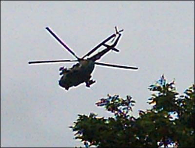 Вертолеты над Корасув. Фото Шерзода Юсупова, Фергана.Ру