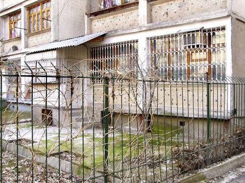 Пример ограждения придомовой территории