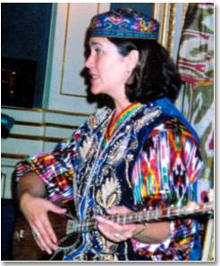 Разия Султанова, музыковед