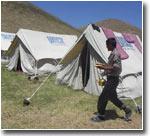 Перемещение андижанских беженцев: первыми эвакуировали женщин и детей