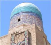 Мавзолеи комплекса Шах-и-Зинда потрясают размерами и великолепием орнамента