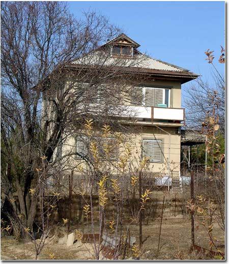 Последний дом в дачном поселке ФАКЕЛ