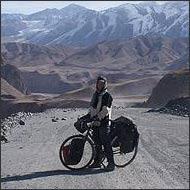 Вкус киргизской справедливости. Англичанин-велосипедист спасает щенков и знакомится с гангстерами