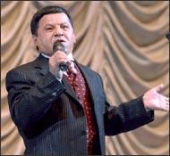 Обид Асомов: «Я всегда был вне политики» (фото, видео)