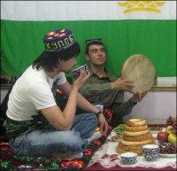 Россия: Студенты из Таджикистана объединились на Урале, чтобы не забывать традиции своей родины