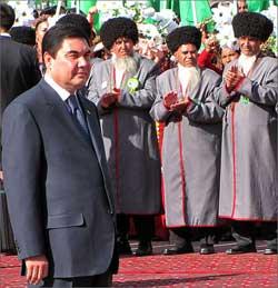 Дежавю с привкусом цинизма. В Туркменистане «отликовали» День Независимости