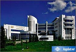 «Гордость туркменской медицины»: денег нет, крыши текут, в палатах смрад
