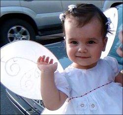 Туркменистан: Помогите Катеньке победить лейкемию!