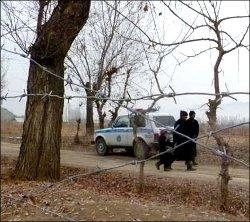 Кыргызстан-Узбекистан: Десять столбов и шесть метров от границы