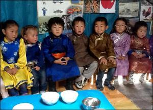 Монголия: Почему в юрточных детских садах видят сохранение национального достоинства