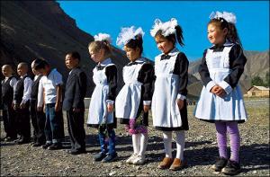 Кыргызстан: Школ меньше, чем мечетей