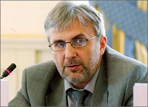 Политолог Валентин Богатырев: «Давайте обсуждать нормальную кыргызскую, а не списанную у других стран, конституцию»