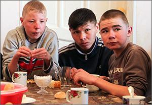 Кыргызстан: Детские дома спасают спонсоры, волонтеры и честные директора
