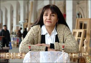 Узбекистан: Известный фотохудожник Умида Ахмедова почти два месяца ждет «выездную визу», пока безрезультатно
