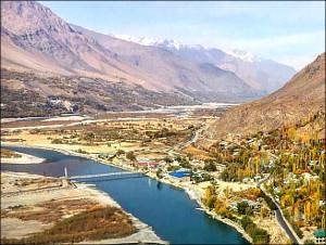 Граница в фотографиях. Таджикско-афганский рубеж: чего ждать из-за Пянджа?