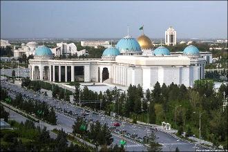 Скованные паранойей. Как развить туризм в тоталитарном Туркменистане?