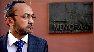 «Похищения людей продолжаются». Правозащитник Бахром Хамроев - о насильственной депортации узбеков на родину