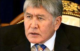 Облегчение Атамбаева. На итоговой пресс-конференции президент цитировал Гашека и угрожал журналистам