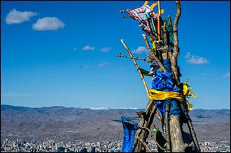 Для кого и камень - овоо. Чему поклоняются в монгольской степи потомки Чингизхана