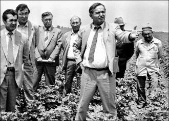 По мощам и елей. 80-летию Каримова посвящается, часть третья