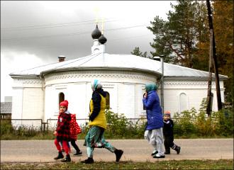 Две родины, одна жизнь. Как таджики  с узбеками русские деревни спасают