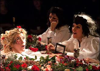 Не бойтесь: вы в театре. Чем удивил зрителей V Международный фестиваль «Откровение» в Алма-Ате