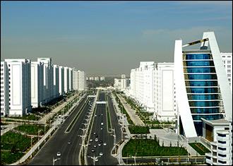 «После Туркмении уже ничего не страшно». О приключениях белоруса в стране победившего мрамора