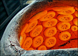 Тандыр и дегдон. Почему таджикистанцы предпочитают средневековую технологию приготовления пищи
