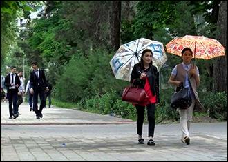 За «шлюху» ответишь! Женщины Душанбе объявили войну уличному харассменту