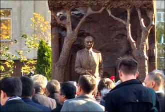Памятник Исламу Каримову. Зачем он нужен Москве?