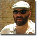 Корреспондент московской газеты «Версия» Орхан Джемаль нелегально пересек государственную границу Узбекистана